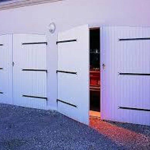 Porte de Garage Battants PVC - Gamme JANIBAT